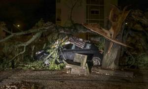 Τεράστιες οι καταστροφές από τον «Λέσλι»: Σάρωσε την Πορτογαλία ο κυκλώνας-ζόμπι (vid)