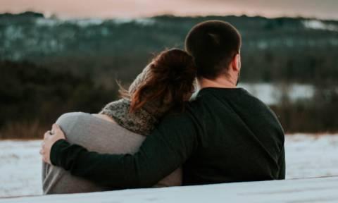 Εσύ τι hashtag θα δώσεις στη σχέση σας; Το πιο hot trend στα εφηβικά ζευγάρια