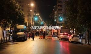 Επίθεση στο ΑΤ Ομόνοιας: «Θα πεθάνετε σήμερα» φώναζαν οι κουκουλοφόροι