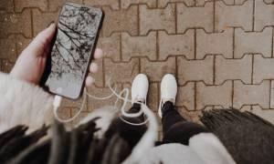 Φοιτητική ζωή: Έτσι θα καθαρίσεις τα ακουστικά σου εύκολα και γρήγορα