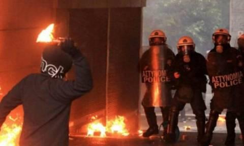 Анархисты совершили нападение на полицейский участок в Афинах