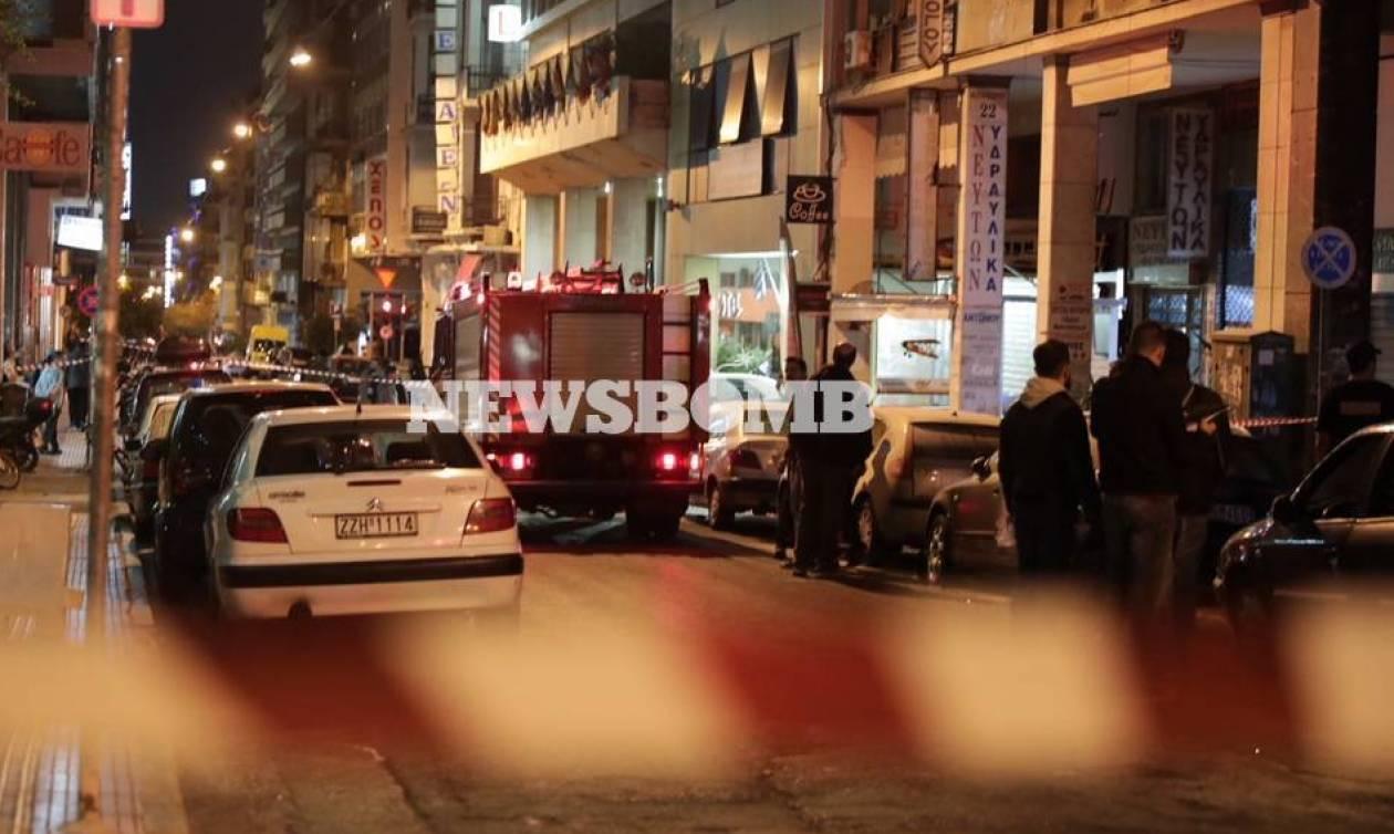 Βίντεο ντοκουμέντο: Καρέ - καρέ η επίθεση με μολότοφ στο Α.Τ. Ομόνοιας