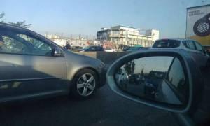 Κίνηση στους δρόμους: Σε ποια σημεία παρατηρείται κυκλοφοριακό χάος - Πώς θα πάτε στις δουλειές σας