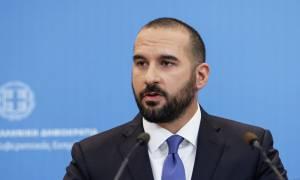 Τζανακόπουλος «αδειάζει» Κοτζιά: «Όποιος δυσφορεί να κατέβει από το τρένο της κυβέρνησης»