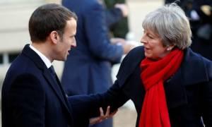 Το Brexit στο επίκεντρο της συνάντησης Μακρόν - Μέι στις Βρυξέλλες