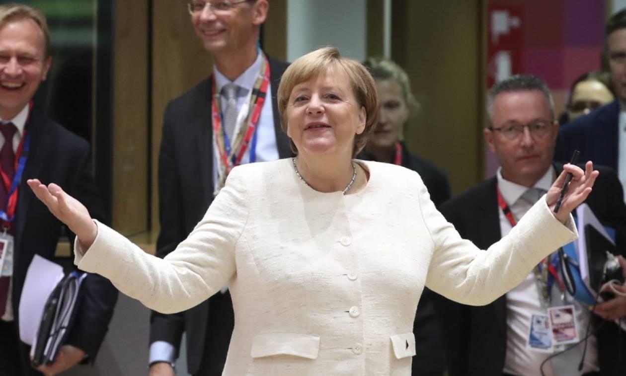 «Μη μας μιλάτε για Brexit»: Μέρκελ και Μακρόν για... τηγανητές πατάτες και χαλαρό ποτάκι (pic+vid)
