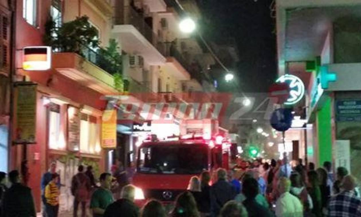 Πάτρα: Πανικός στο κέντρο της πόλης από φωτιά σε διαμέρισμα (pics&vid)