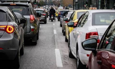 В Афинах из-за забастовки метро на дорогах образовались пробки