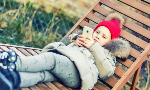 Ανήλικοι και social media: Τι έχει αλλάξει με το νέο κανονισμό