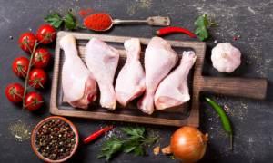 Ωμό κοτόπουλο: 8 λάθη που βάζουν σε κίνδυνο την υγεία σας (pics)