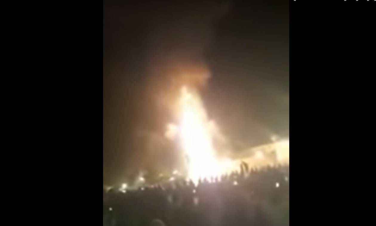 Μακελειό στην Ινδία: Τρένο έπεσε πάνω σε πλήθος – Τουλάχιστον 61 νεκροί (ΠΡΟΣΟΧΗ! ΣΚΛΗΡΕΣ ΕΙΚΟΝΕΣ)
