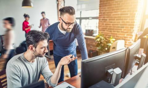 Πέντε σημεία που δεν πρέπει να πιάσεις ποτέ στο γραφείο (pics)