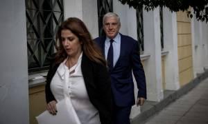 Ολοκληρώθηκε η απολογία Παπαντωνίου: Τη «σκυτάλη» πήρε η σύζυγό του