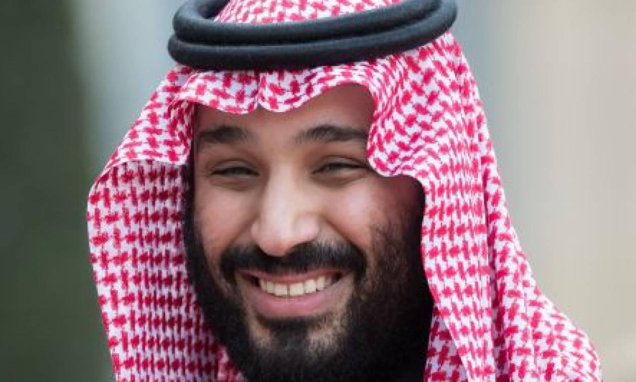 Υπόθεση Κασόγκι: Με χαμόγελα και σέλφις «απαντά» στη διεθνή κατακραυγή ο πρίγκιπας της Σ. Αραβίας