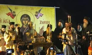 Την Αγία Ζώνη υποδέχθηκε η Θεσσαλονίκη - Πλήθος κόσμου και ιεραρχών στην υποδοχή στον Εύοσμο