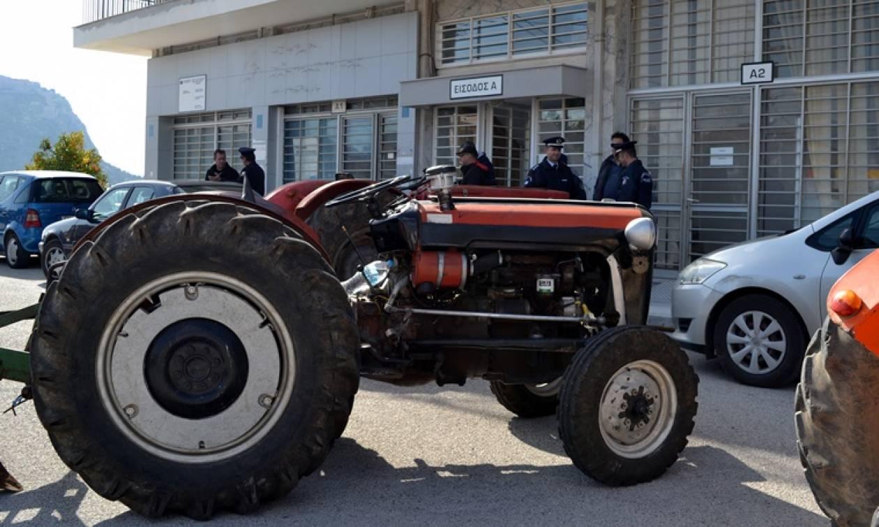 Άλυτα τα προβλήματα του αγροτικού κόσμου - Οργή κατά της κυβέρνησης (vid)