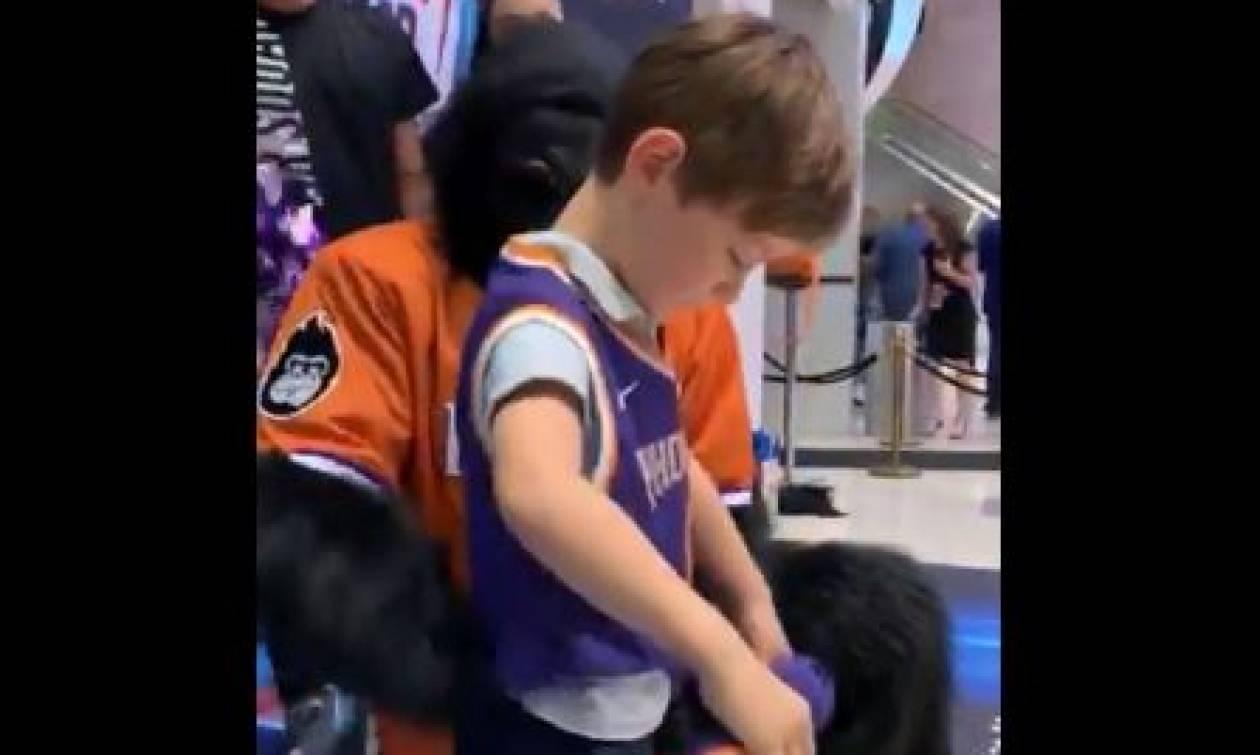 ΗΠΑ: Μετά τα θλιβερά γενέθλια ο 6χρονος είχε την καλύτερη μέρα της ζωής του! (vids+pics)