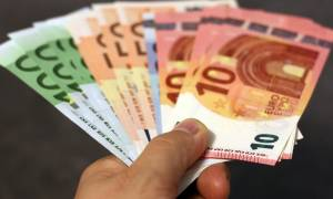 ΟΠΕΚΑ - Επίδομα 1.000 ευρώ: Δείτε ποιες μητέρες μπορούν να το διεκδικήσουν