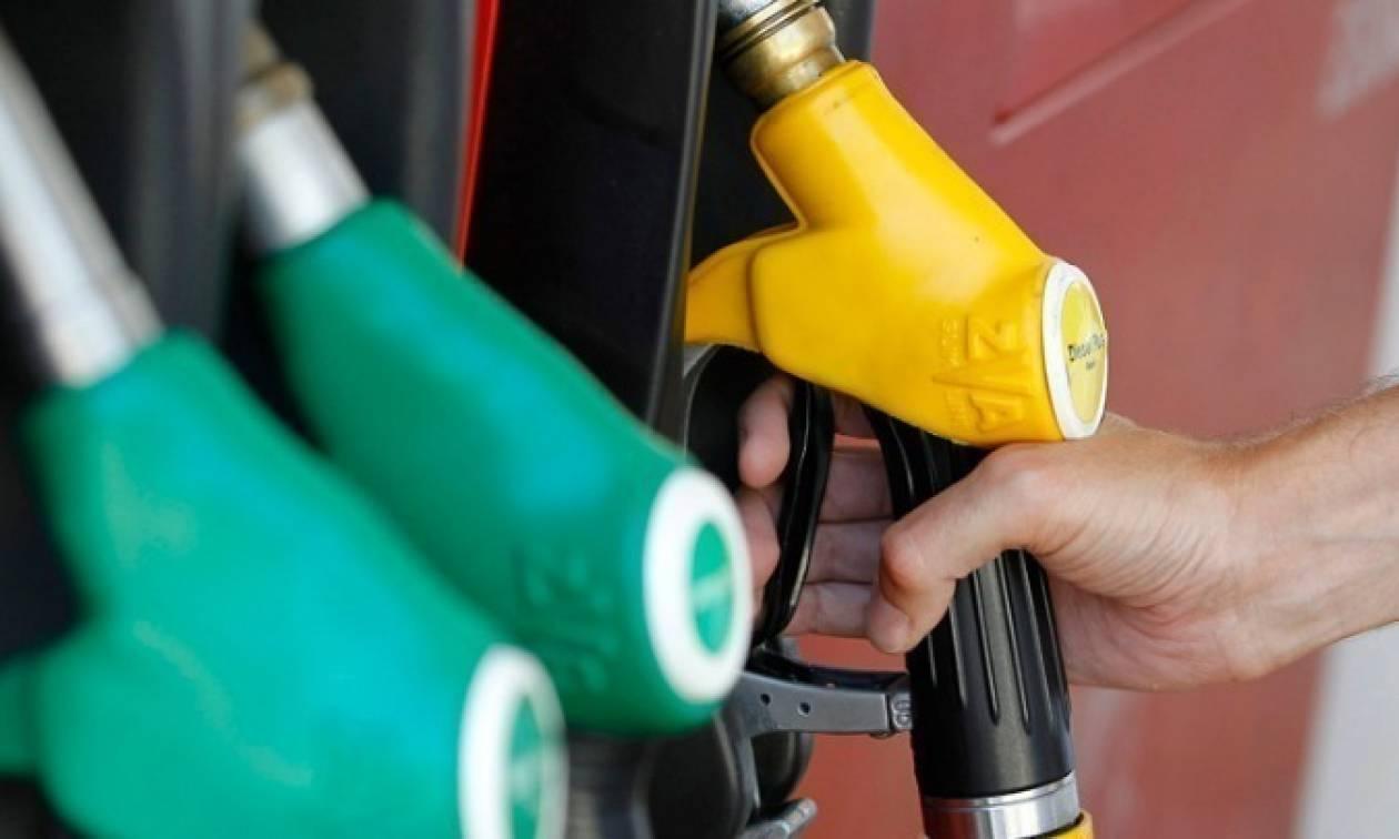 Σαρωτικές αλλαγές από 1η Ιανουαρίου: Νέα βενζίνη και νέες ετικέτες σε πρατήρια και αυτοκίνητα