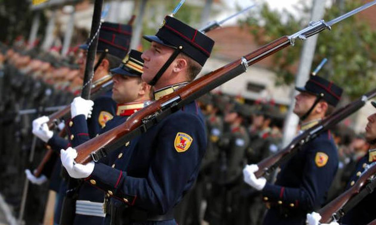 Αναδρομικά ενστόλων-στρατιωτικών: Δείτε πώς θα δοθούν - Πότε μπαίνουν τα χρήματα στην τράπεζα