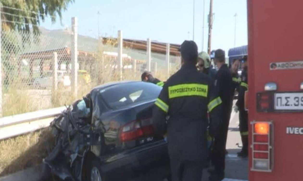 Φρικτό τροχαίο με δύο νεκρούς στην παλαιά εθνική οδό Αθηνών - Κορίνθου (vid+pics)