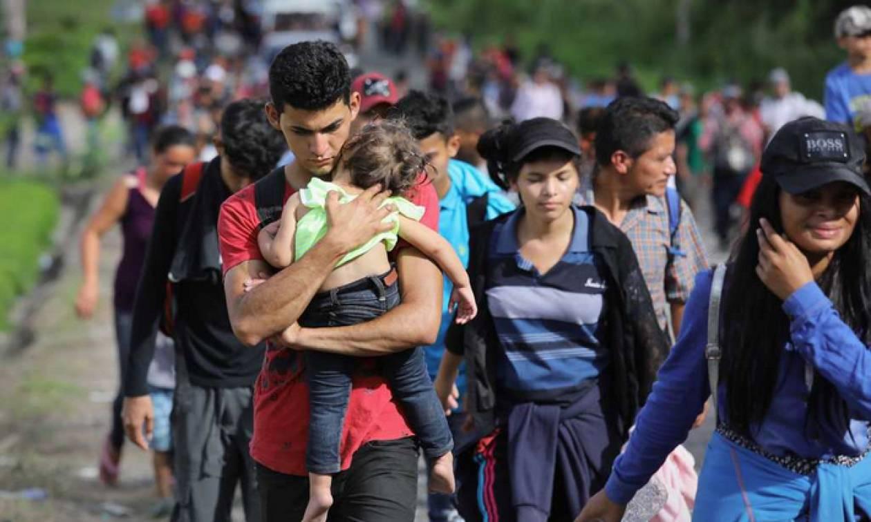 Περίπου 1.500 μετανάστες από το Ελ Σαλβαδόρ εισήλθαν από τη Γουατεμάλα στο Μεξικό