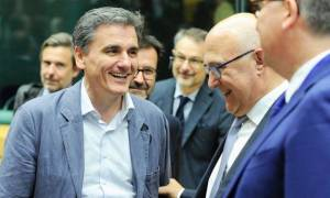 Eurogroup: Ο Τσακαλώτος δίνει «ρέστα» και τρολάρει τον Ιταλό ΥΠΟΙΚ – «Κάποτε ήμουν εγώ στη θέση σου»