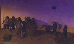 Συναγερμός στις ΗΠΑ: Ένοπλη επίθεση σε μπαρ στην Καλιφόρνια – Πολλοί τραυματίες (Pics+Vids)