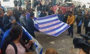 Ο Ελληνισμός αποχαιρετά τον Κωνσταντίνο Κατσίφα - Οδύνη, σπαραγμός και ενταση στους Βουλιαράτες