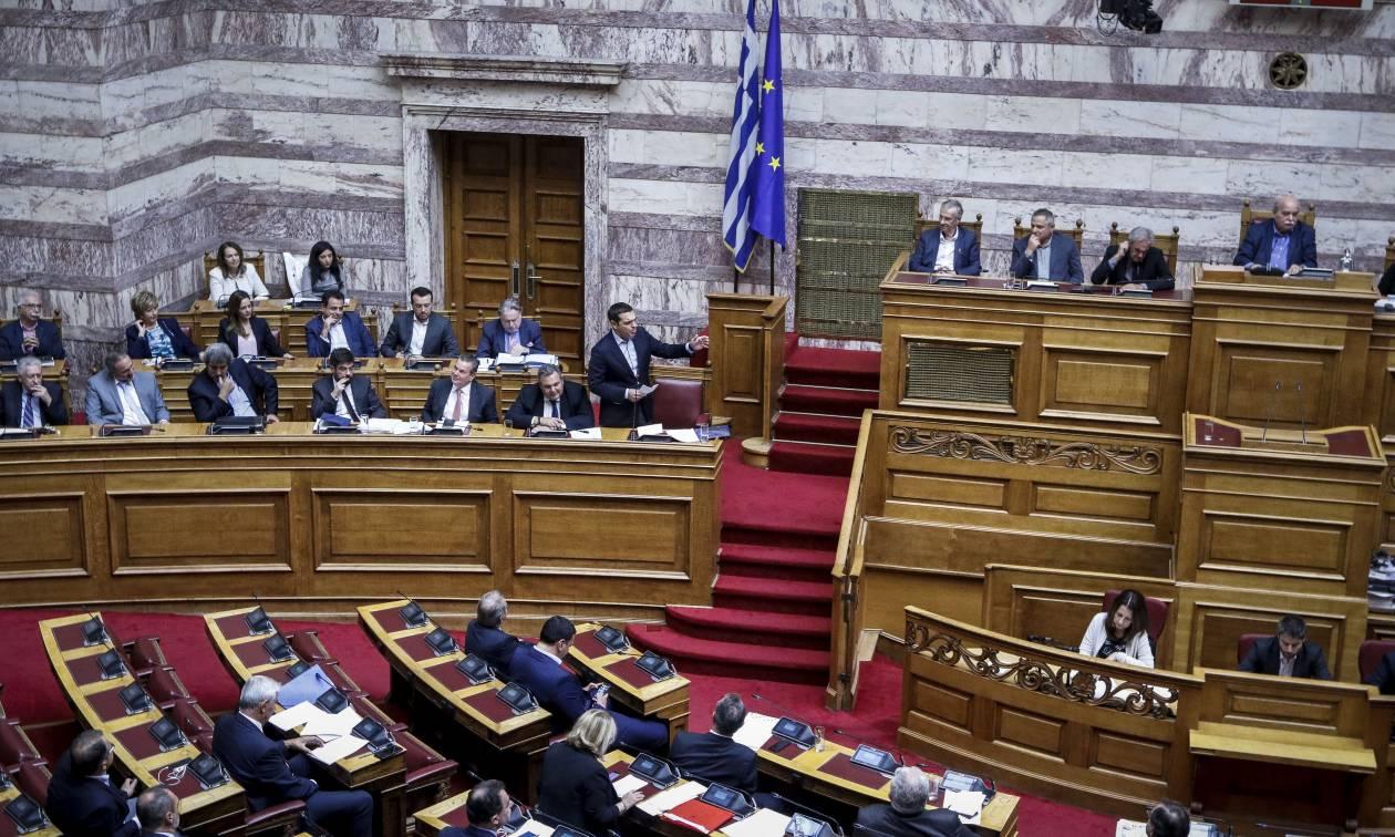 Βουλή: Υπερψηφίστηκε η τροπολογία για τα αναδρομικά