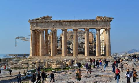 В этом году в Греции побывало почти 800 тыс туристов из России