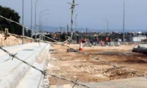 Ιστορικές στιγμές: Άνοιξε η διέλευση από το οδόφραγμα Δερύνειας μετά από 44 χρόνια