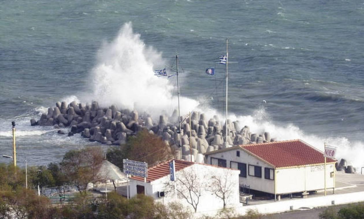 Καιρός τώρα: Πέφτει η θερμοκρασία - Μέχρι 8 μποφόρ στο Αιγαίο (pics)