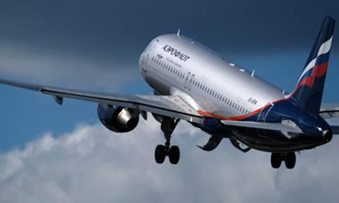 Boeing вернулся в Красноярск из-за сигнала об открывшемся багажном отсеке