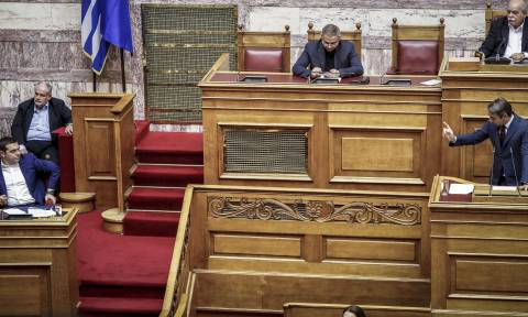 Το «πρώτο αίμα» στη Βουλή για τη Συνταγματική Αναθεώρηση: «Άγριες» κόντρες με κάτι από… Εδεσσαϊκό!
