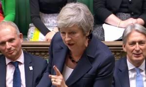 Ιστορική στιγμή: Πρόσω ολοταχώς για Brexit - H Μέι εξασφάλισε τη στήριξη του υπουργικού συμβουλίου