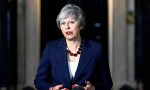 Πολιτικό «θρίλερ» στη Βρετανία: Διαλύεται η κυβέρνηση Μέι μετά τη συμφωνία για Brexit
