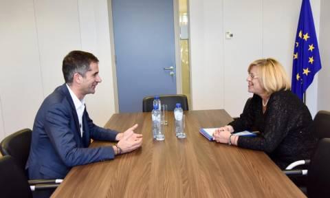 Με την επίτροπο Περιφερειακής Πολιτικής της ΕΕ συναντήθηκε ο Κώστας Μπακογιάννης