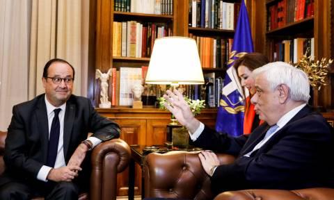 Ολάντ: Σημαντικός ο ρόλος του κ. Παυλόπουλου για την παραμονή της Ελλάδας στην Ευρωζώνη