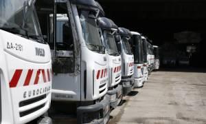 Τραγωδία στα Άνω Λιόσια: Νεκρός οδηγός απορριμματοφόρου (vid)