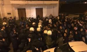 Επεισόδια στη Θεσσαλονίκη: Χημικά και κρότου - λάμψης σε εκδήλωση που συμμετέχει ο Γαβρόγλου