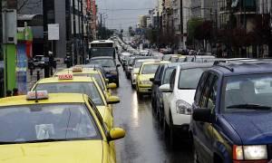 ΤΩΡΑ: Κυκλοφοριακό χάος στην Αθήνα - Ποιους δρόμους να αποφύγετε