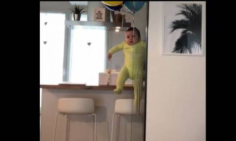 Το μωρό που… πετάει (vid)