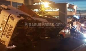 Νταλίκα ντελαπάρισε στου Ρέντη - Μεγάλο μποτιλιάρισμα και ταλαιπωρία στους δρόμους (vid+pics)