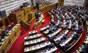 Προϋπολογισμός: Σφοδρή αντιπαράθεση κυβέρνησης - αντιπολίτευσης στην κατάθεσή του