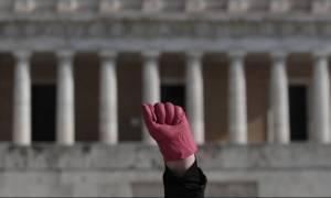 Ο Γολγοθάς της καθαρίστριας για μια τάξη του δημοτικού: Τι λέει ο δικηγόρος της στο CNN Greece