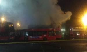 Πανικός στο Λονδίνο από φωτιά και εκρήξεις σε αμαξοστάσιο λεωφορείων (vid)