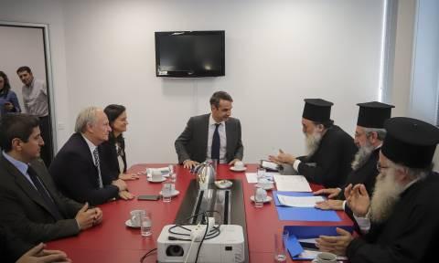 Μητσοτάκης: Δεν θα αναγνωρίσουμε τις αλλαγές στη μισθοδοσία των κληρικών (pics)