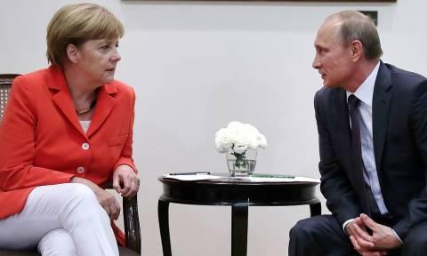Путин и Меркель обсудили инцидент в Азово-Черноморской акватории