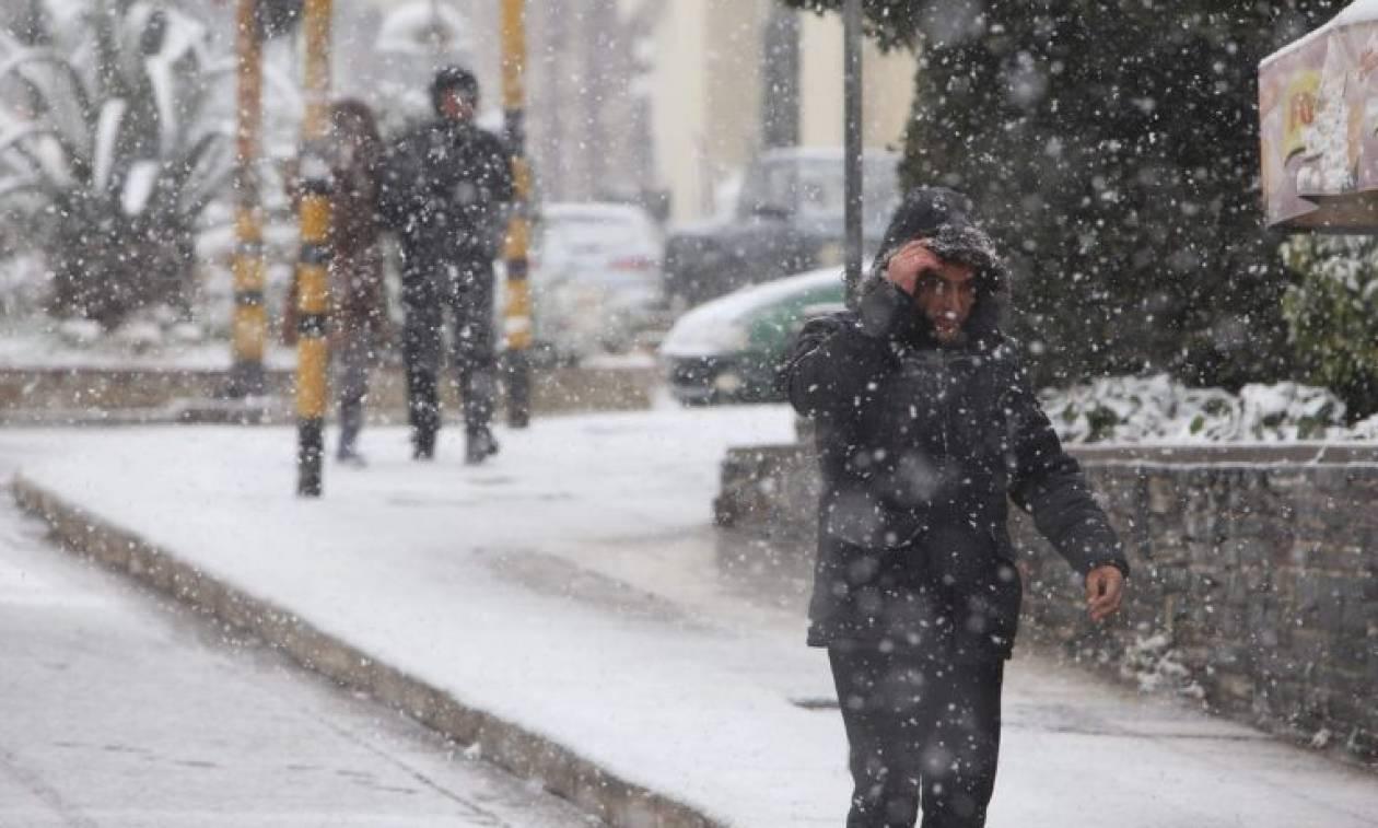 Καιρός: Σαρώνει την Ελλάδα η «Πηνελόπη» - Αποκλεισμένα έξι χωριά στα Άγραφα